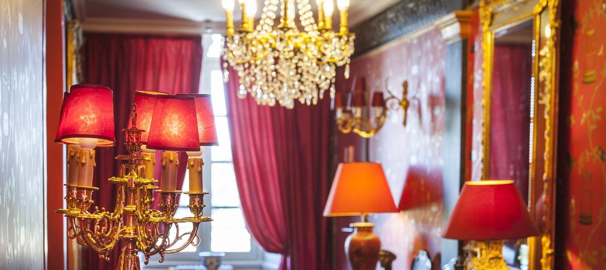couloir ch teau d 39 apign h tel restaurant gastronomique traiteur le ch teau d 39 apign. Black Bedroom Furniture Sets. Home Design Ideas